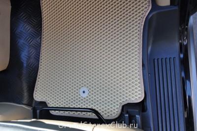 Передние коврики крепятся на клипсы Hyundai - DSC_0599.JPG